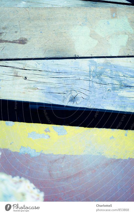 Blaupause Schiffswerft Stein Holz Metall Stahl blau violett türkis Spanien Anpassung anpassungsfähig Nahaufnahme Lack splittern Furche Fuge Ordnung