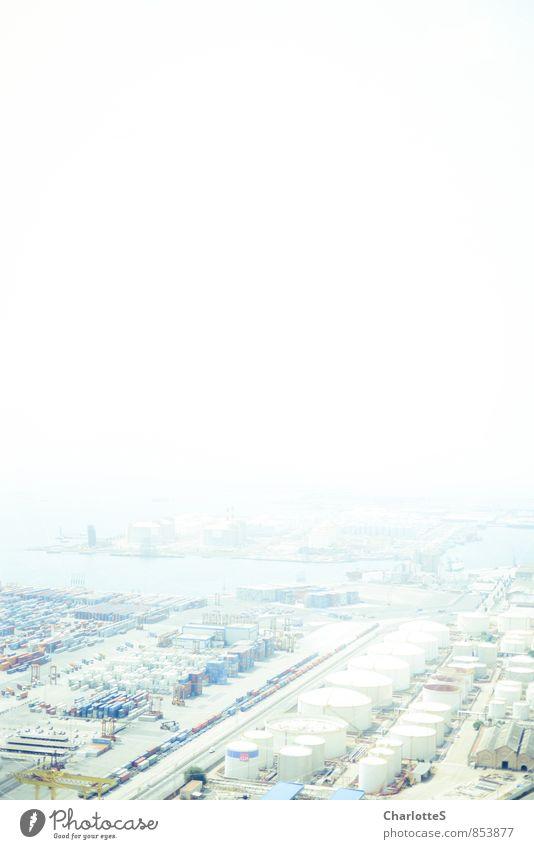 Cynical World Baustelle Fabrik Industrie Güterverkehr & Logistik Energiewirtschaft Nebel Barcelona Menschenleer Industrieanlage Bauwerk Schornstein Verkehrswege