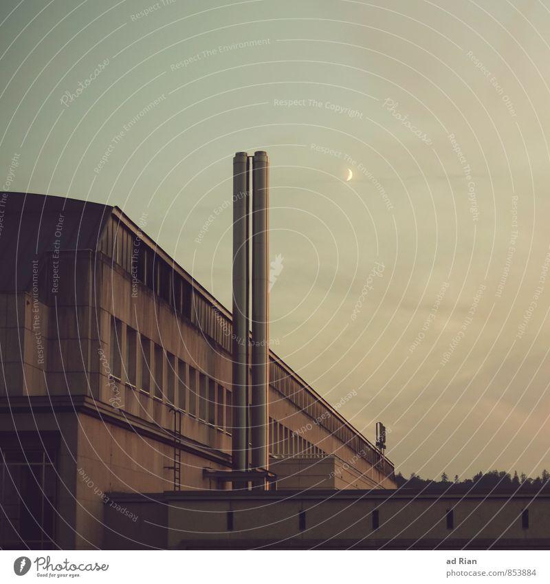 Slow Night, So Long Himmel Wand Architektur Gebäude Mauer Business Fassade Arbeit & Erwerbstätigkeit Industrie Warmherzigkeit Schönes Wetter schlafen Dach
