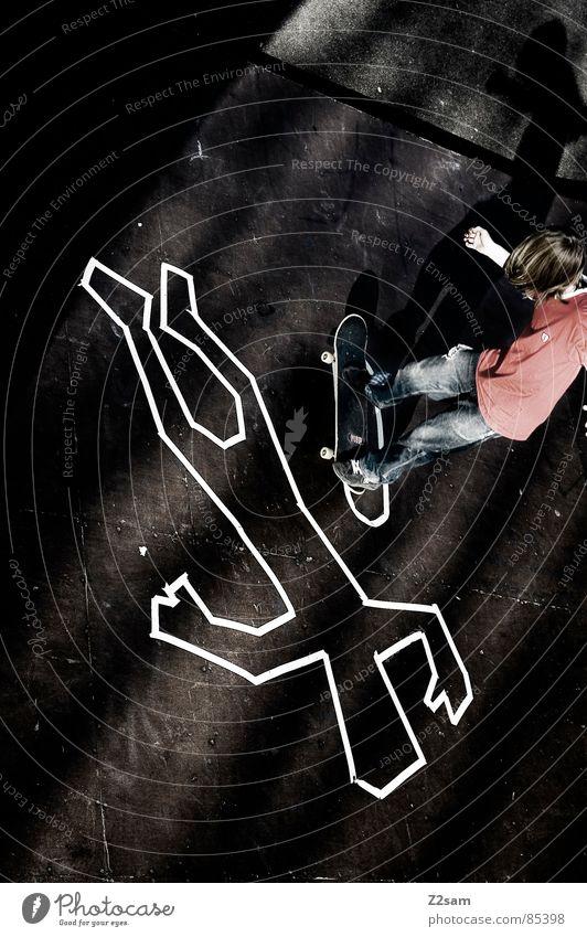 TATORT - MANUAL Mensch Tod Sport oben Holz springen Stil hoch liegen Aktion Bodenbelag fahren Jeanshose Skateboarding Holzbrett gestreift