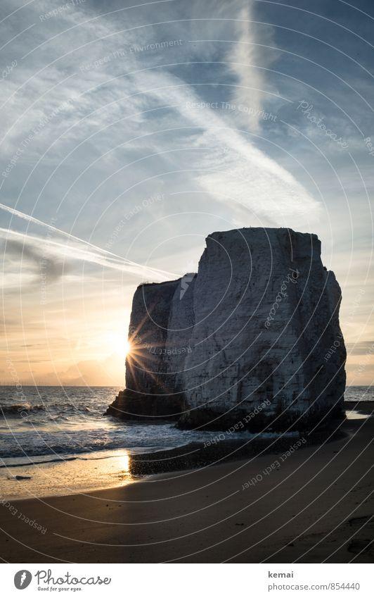 One of these moments Umwelt Natur Landschaft Urelemente Wasser Himmel Wolken Sonnenaufgang Sonnenuntergang Sommer Schönes Wetter Wärme Felsen Wellen Küste