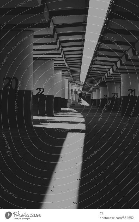 20 aufwärts Stadt Menschenleer Brücke Bauwerk Architektur Hochstraße Brückenpfeiler Brückenkonstruktion Verkehr Verkehrswege Straßenverkehr Wege & Pfade