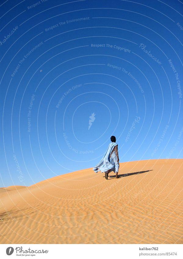 Mahmoud's way Mauretanien Sehnsucht Einsamkeit Wüste Sahara Tuareg Stranddüne Spuren desert