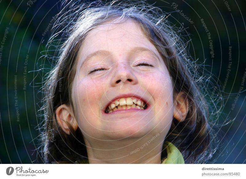 Ida Kind Freude lachen Freundlichkeit grinsen