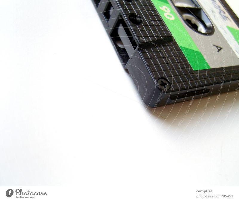 Tonträger: Grün oder Bumsmusik? grün Musik Tonband Musikkassette Neunziger Jahre retro Rock 'n' Roll Techno Popmusik Rockmusik Bandsalat Vergangenheit Konzert