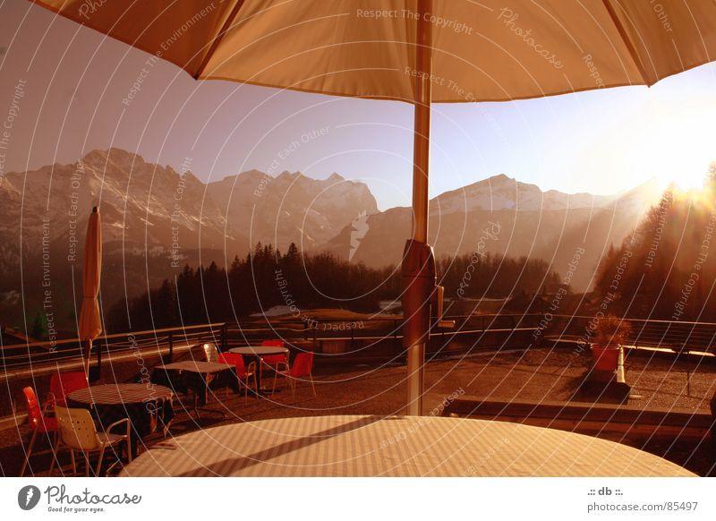 .:: winter_märchen ::. Sonnenschirm Tisch Hotel Winter Gastronomie Gasthof terasse Berge u. Gebirge Ruhestand