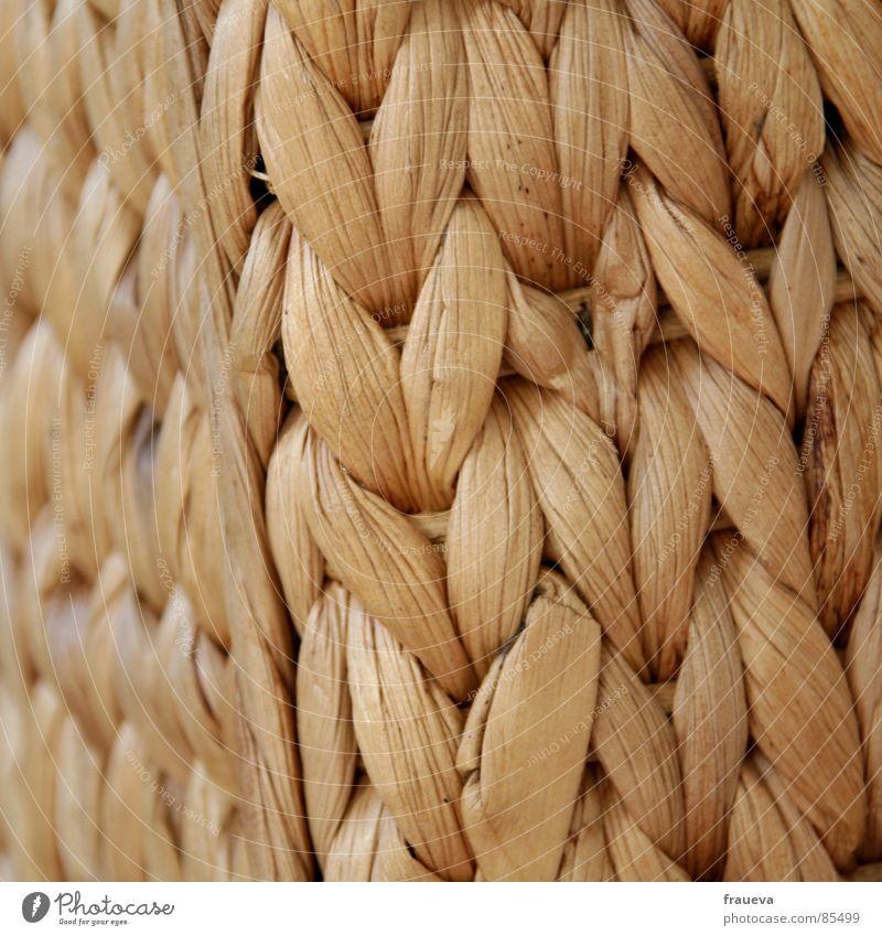 stroh im hirn Stroh Sessel netzartig Bast Möbel gelb Sommer Hocker Kanapee Ruhemöbel Seegras Korb Wohnzimmer Farbe häkeln gehäkelt Strukturen & Formen