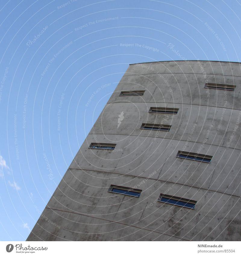 Briefkasten I Haus kalt Fenster grau Deutschland Eis verrückt Industrie einfach Stadtteil 8 eckig Rechteck Betonbauweise Bürogebäude