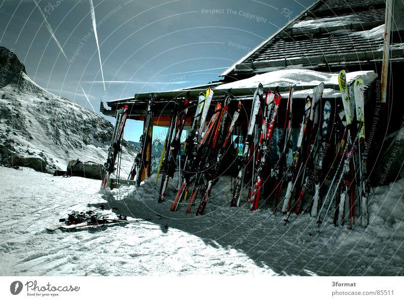 huetten Österreich Italien Holz Zillertal Wintersport Mittag Pause Après-Ski Ferien & Urlaub & Reisen Mittagspause Skifahrer Freizeit & Hobby Mittagessen Haus