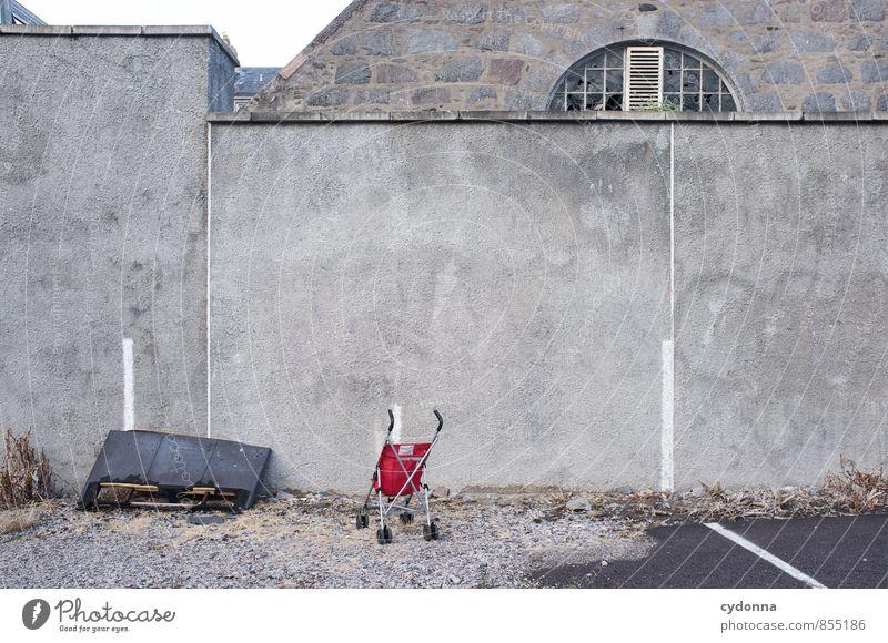 Kinderlos Lifestyle Stadt Mauer Wand Parkplatz Beratung Einsamkeit Ende Enttäuschung Fürsorge Gesellschaft (Soziologie) Hilfsbereitschaft Schmerz stagnierend
