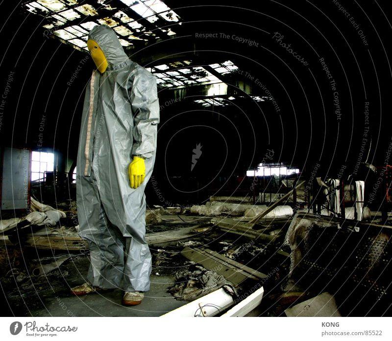 stehen gelassen Einsamkeit gelb grau Traurigkeit Raum warten dreckig Industrie Trauer Industriefotografie Maske Müll verfallen einzeln Verfall
