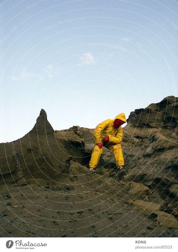 gelb™ prollt Himmel Freude gelb grau Sand Erde dreckig Erde mehrere Körperhaltung Bodenbelag Wüste Maske Hügel Anzug