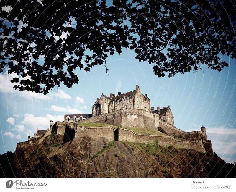 The Castle blau alt Stadt Blatt Wand Architektur Mauer Gebäude oben braun Felsen groß hoch Europa Hügel Burg oder Schloss