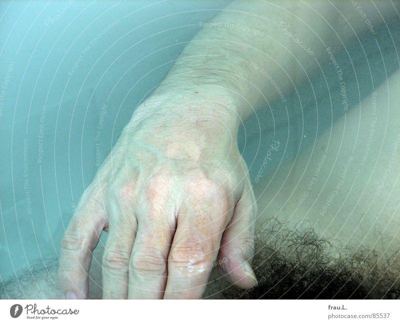 schwimmende Hand Mensch Wasser Erholung Haare & Frisuren Zufriedenheit Freizeit & Hobby Schwimmen & Baden Häusliches Leben Fliesen u. Kacheln bleich Waschen