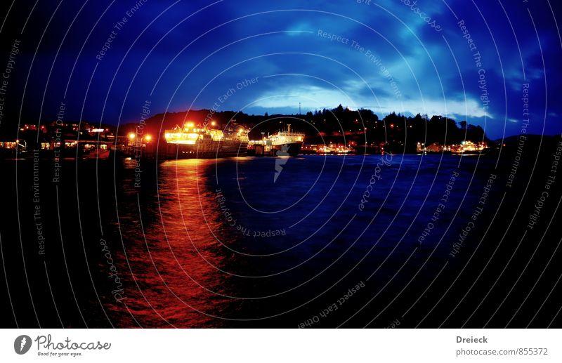 Port Oban Wasser Wolken Nachthimmel Horizont Mond Herbst Küste Seeufer Flussufer Highlands Schottland Großbritannien Europa Hafenstadt Stadtzentrum Stadtrand