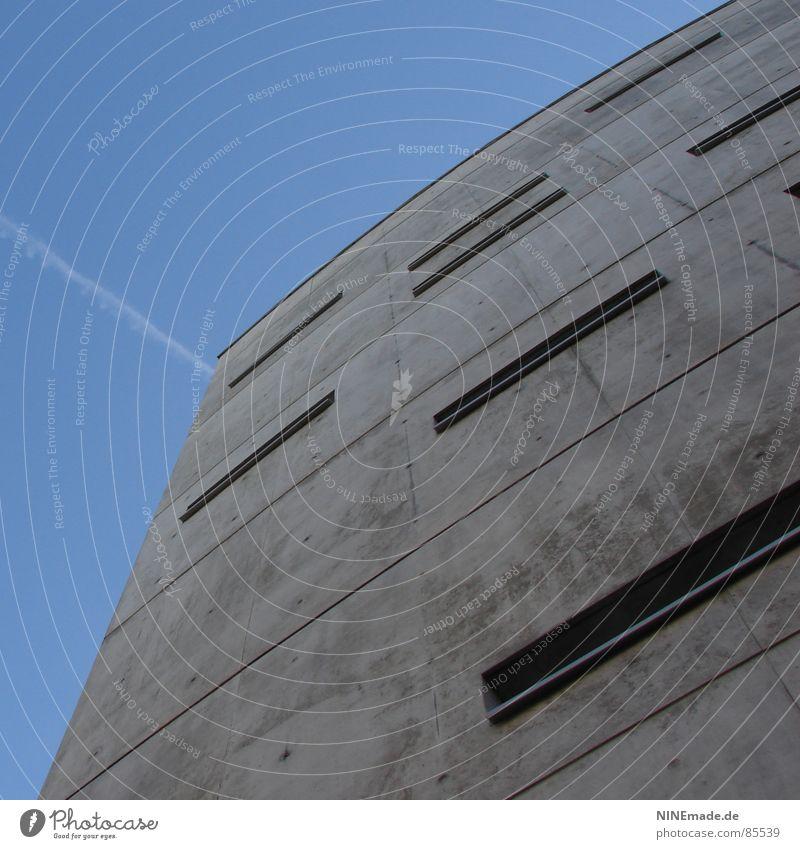 Briefkasten II Betonklotz grau Rechteck Haus Karlsruhe kalt 8 Fenster eckig Eis Stadtteil grausam Bürogebäude Industrie Deutschland ohne schnirkel kimsey