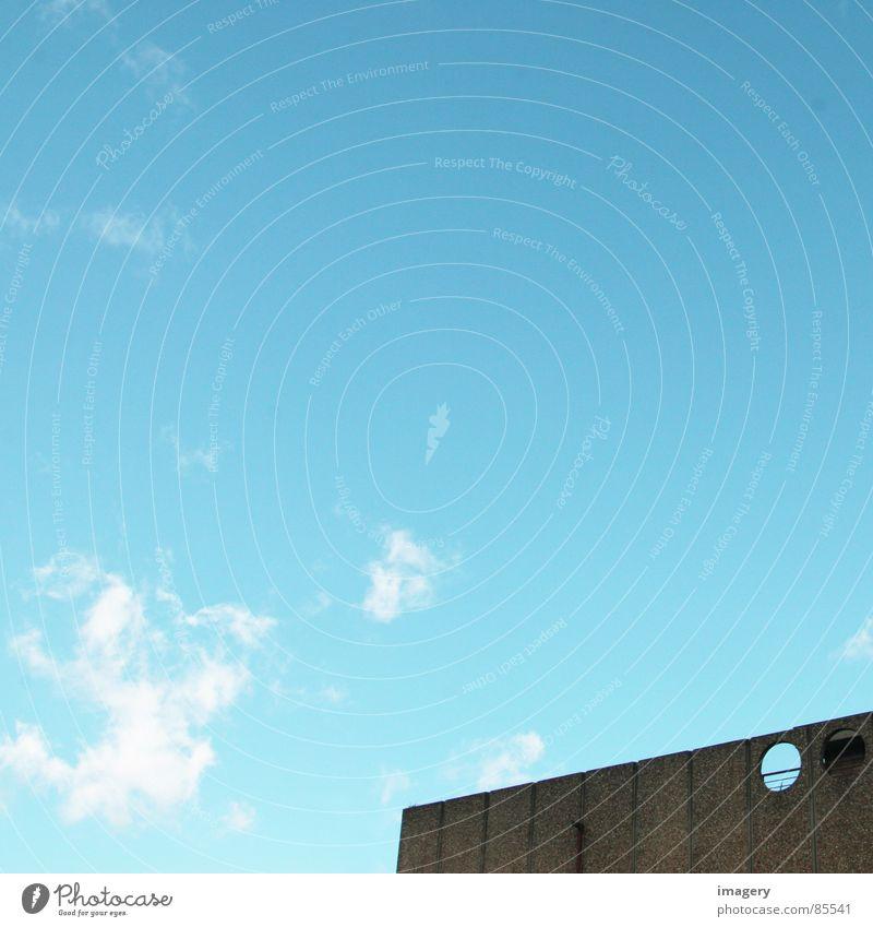 Durchblick Wolken Detailaufnahme modern Loch Ducrhblick Himmel blau Ferne Kreis Architektur