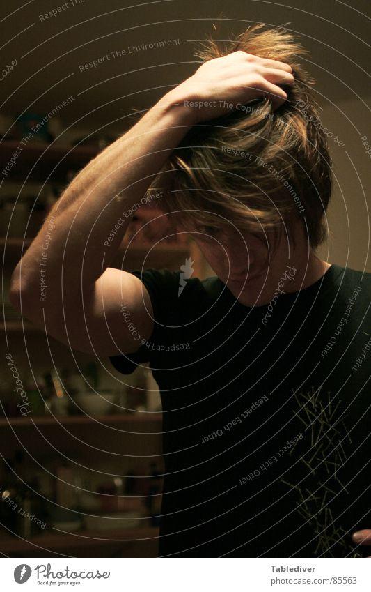 Du kannst gehn aber deine Kopfhaut bleibt hier Mann Haare & Frisuren Hand Küche Regal Typ Arme haare raufen küchenregal