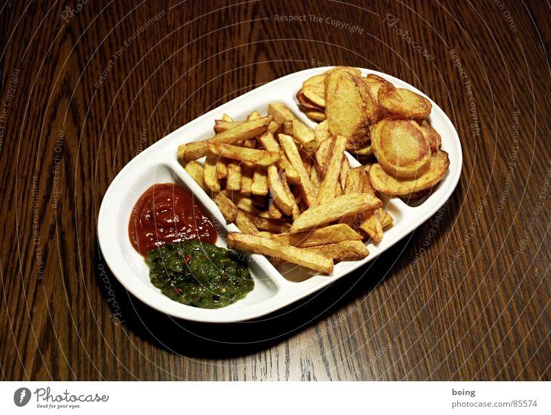 goldgelb™ neulich in der Baumhaus Mensa A1 Kartoffelchips Imbiss Humpen Pommes frites Beilage Mahlzeit Ketchup Portion Fett heiß Gischt Speisesaal antörnen