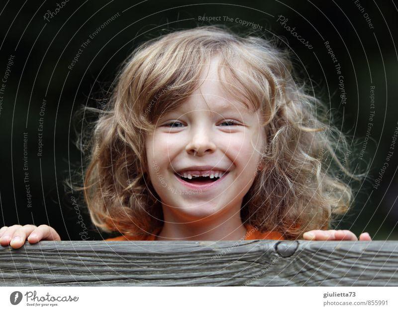 Bald bin ich ein Schulkind! Freude Freizeit & Hobby Spielen Ausflug Abenteuer Sommer Mensch Kind Zähne 1 3-8 Jahre Kindheit blond langhaarig Locken lachen frech