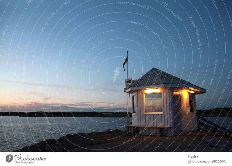 Schwedische Nacht Ferien & Urlaub & Reisen blau Sommer Meer Einsamkeit Erholung ruhig Küste Horizont Aussicht Schönes Wetter Romantik Unendlichkeit Ostsee Hafen
