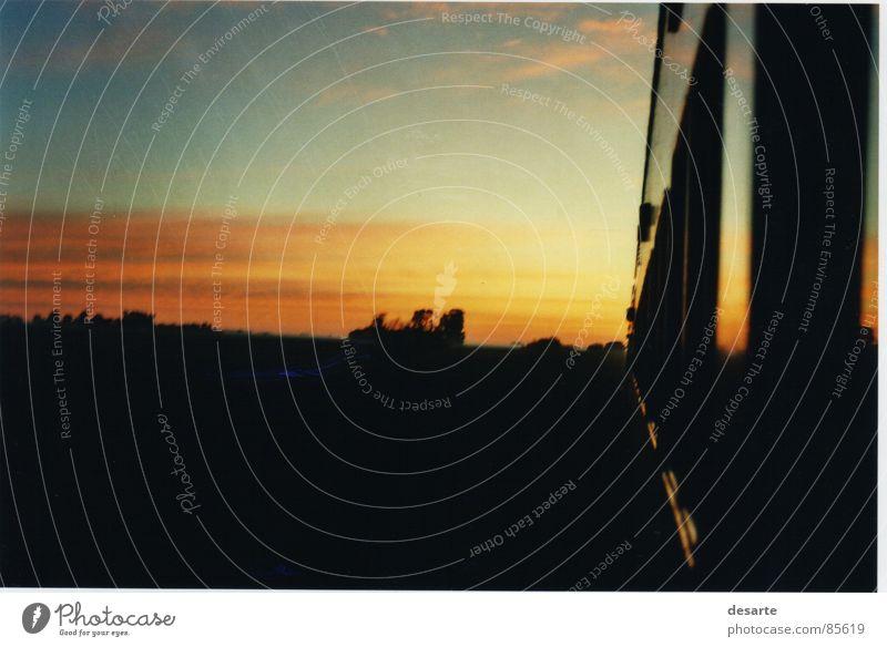 Amanecer en el viaje Cordoba Farbe tren amanecer sol colores cielo movimiento Außenaufnahme