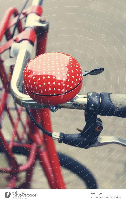 ton in ton Farbe rot Bewegung Sport Freizeit & Hobby Fahrrad Dinge ästhetisch Fitness rund Fahrradfahren Punkt fahren Gerät gepunktet Straßenverkehr