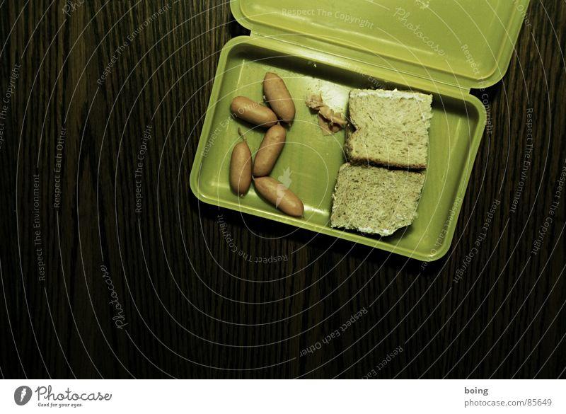 wurstcase Vesper Würstchen Brot Toastbrot Dose Wurstwaren Frühstück Mittagessen Pause Belegtes Brot Mittagspause Plastikdose Bildung Qualität vieruhrwurst
