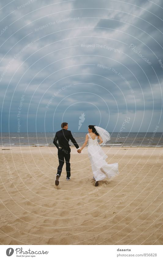 aus Liebe rennen Lifestyle elegant Freude Leben harmonisch Freizeit & Hobby Abenteuer Feste & Feiern Hochzeit Familie & Verwandtschaft Paar Partner Erde Sand