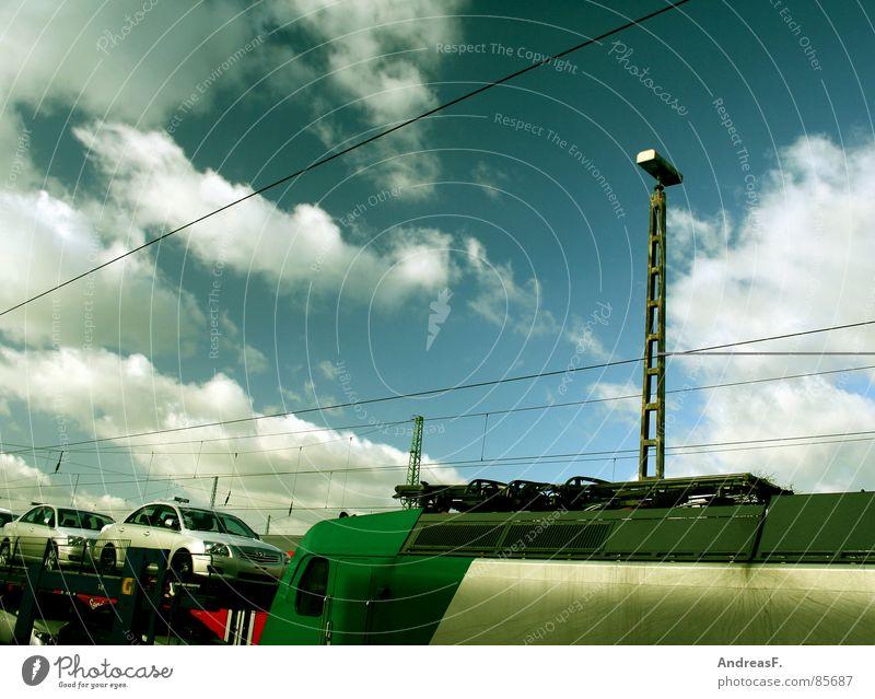 Importware Himmel Sonne blau Wolken Wetter Eisenbahn Industrie Güterverkehr & Logistik Gleise Bahnhof Strommast Leitung Blauer Himmel Lokomotive Schienenverkehr