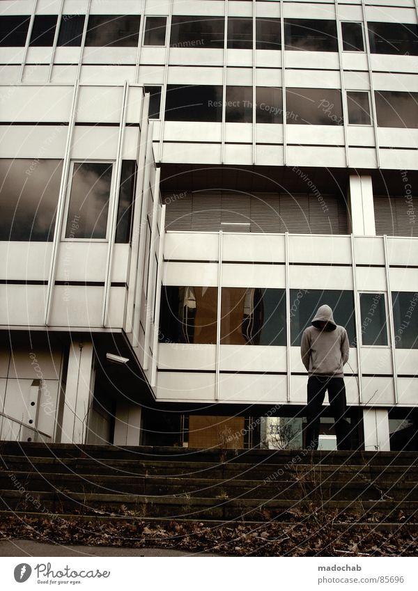 EINFACH NUR DOOF RUMSTEHEN Architektur Trauer Verzweiflung Bla