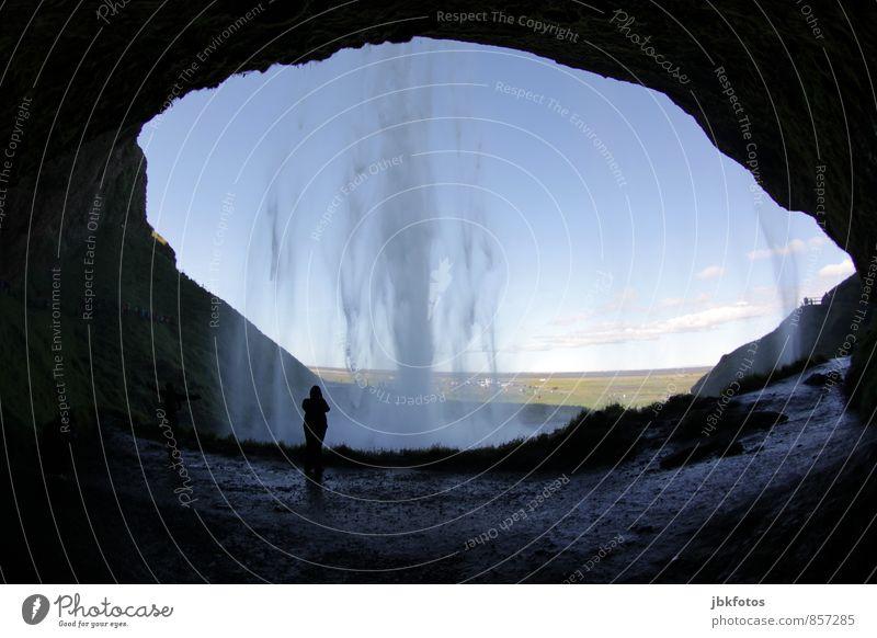 ISLAND / Seljalandsfoss Þórsmerkurvegur Umwelt Natur Landschaft Pflanze Urelemente Wasser Sommer Felsen Berge u. Gebirge Wasserfall Kraft Macht schön Fernweh