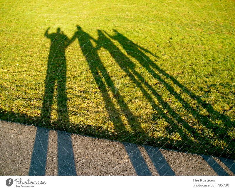 Friends 2 Freundschaft grün 4 Gesellschaft (Soziologie) Gras Schatten Schattendasein Einigkeit Freude Wiese friends einheitlich Weide Lust Rasen vierteilig