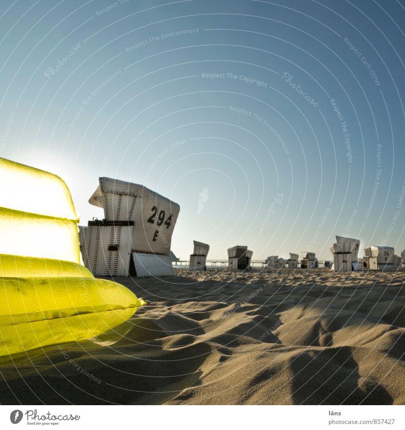 morgens am strand Erholung ruhig Ferien & Urlaub & Reisen Tourismus Ausflug Freiheit Sommer Sommerurlaub Sonne Strand Meer Insel Sand Himmel Wolkenloser Himmel