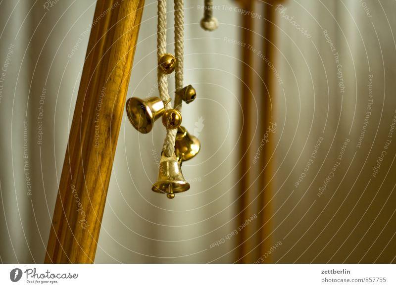 Glöckchen am Berlebach Weihnachten & Advent Anti-Weihnachten Metall Textfreiraum Schnur Metallwaren hängen Klingel Signal Geräusch Glocke Schlagzeug Bronze