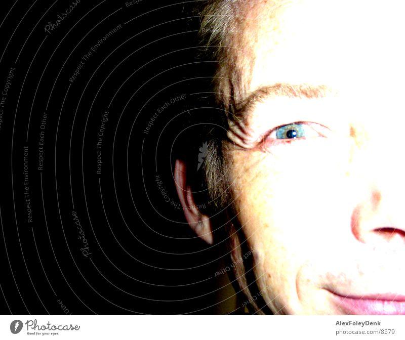 rattattazong Licht Sonnenlicht Mann Gesicht hell lachen Gesichtsausschnitt
