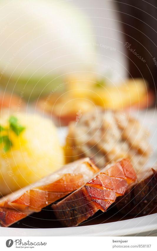 bavarian delight Lebensmittel braun frisch Idylle Ernährung authentisch gut Bier Vorfreude Teller Fleisch Scheibe Abendessen Fett Mittagessen Braten