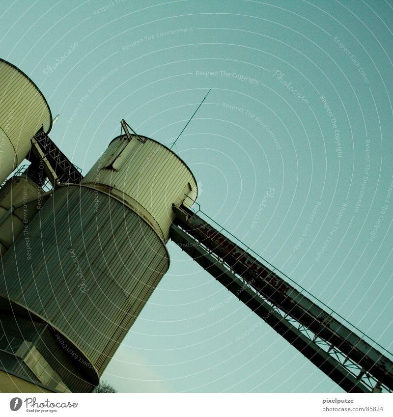 förderverein bw Himmel dunkel Arbeit & Erwerbstätigkeit Stein Linie Beton verrückt Industrie Güterverkehr & Logistik rund Fabrik Turm Schnur Quadrat Verbindung