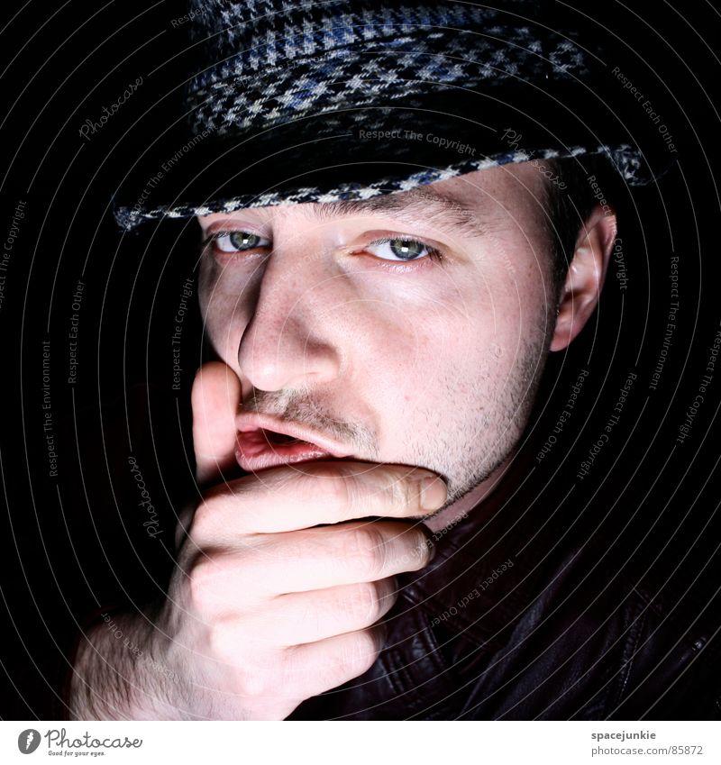 Hmmm Porträt Hand Denken Gedanke Jacke Lederjacke Spitzel Junger Mann Geistesabwesend Freude Idee in gedanken woanders monolog führen
