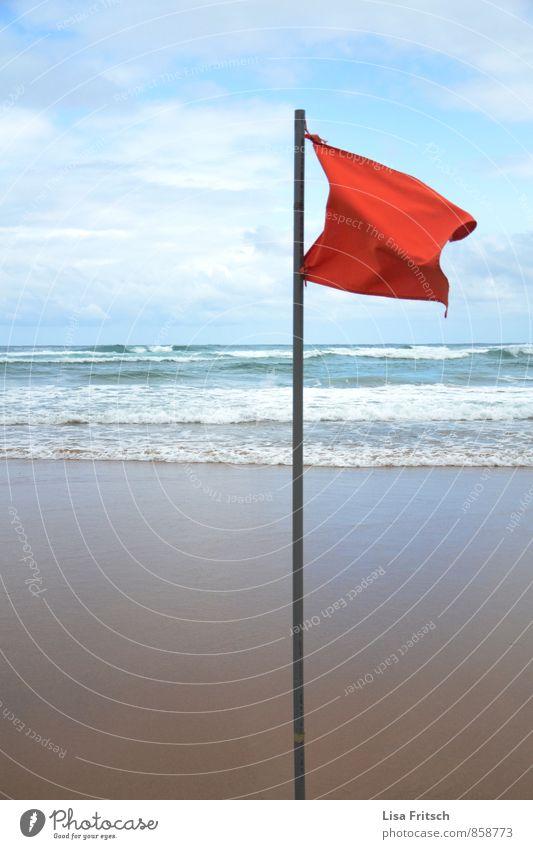 schwing die rote fahne... Wasser Strand Küste Wellen Wind Fahne Unwetter