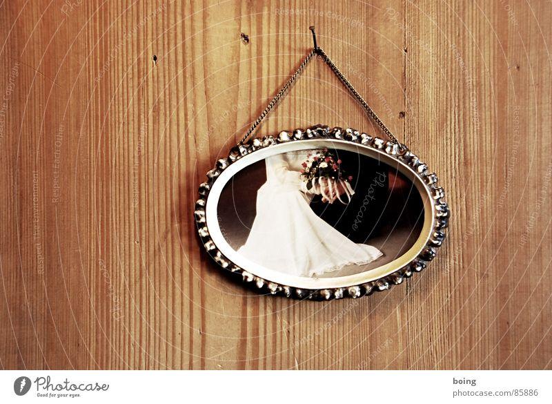 Die Liebe der Anderen 1 Freude Paar Familie & Verwandtschaft Feste & Feiern paarweise Hochzeit Tradition Erinnerung Bilderrahmen Ehepaar Tisch Partnerschaft