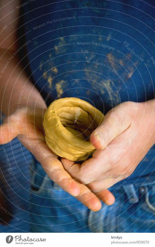 kleiner Töpfermeister Mensch Kind Hand Mädchen Freude Junge Kindheit authentisch Kreativität lernen Bildung 8-13 Jahre positiv Inspiration Basteln gestalten