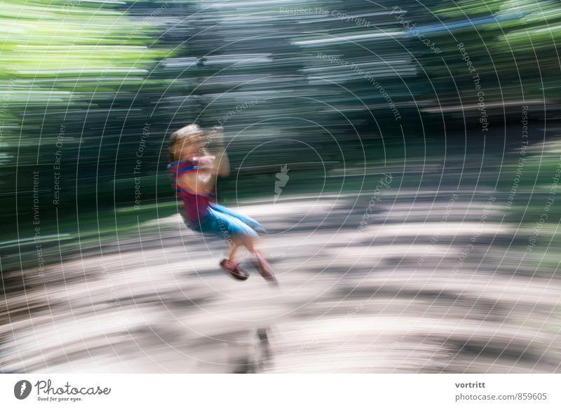 Spielrausch Mensch Kind Baum Mädchen Freude Wald Bewegung feminin Spielen Freizeit & Hobby Kindheit Abenteuer fahren 8-13 Jahre hängen drehen