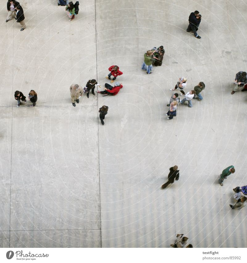 gesamtüberblick Mensch Freude sprechen grau Bewegung See Raum gehen liegen modern mehrere Aktion stehen Bodenbelag England