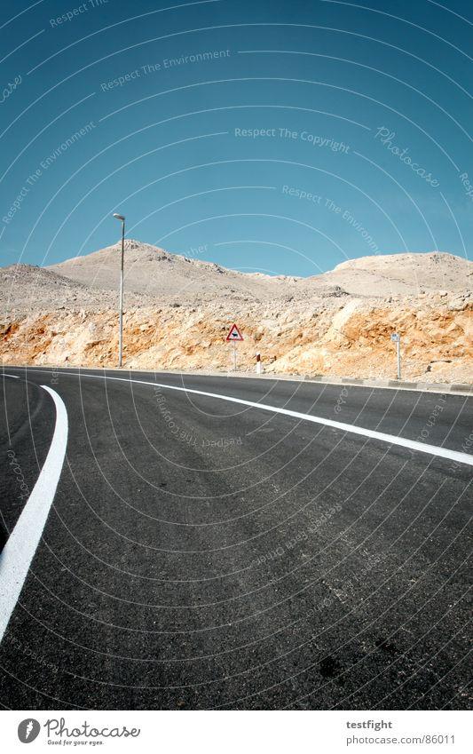 insel Himmel Sommer Straße Stein leer Kabel Wüste Straßenbelag Kies Teer Kroatien karg