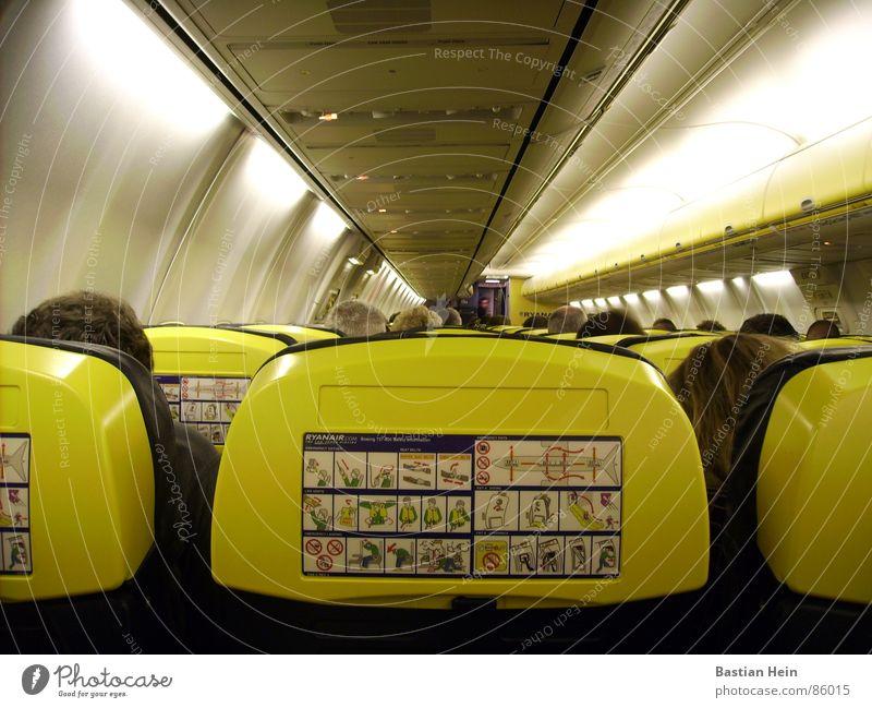 im Flugzeug Luft Luftverkehr Güterverkehr & Logistik Flughafen Sitzgelegenheit Passagier Düsenflugzeug Fluggerät Passagierflugzeug