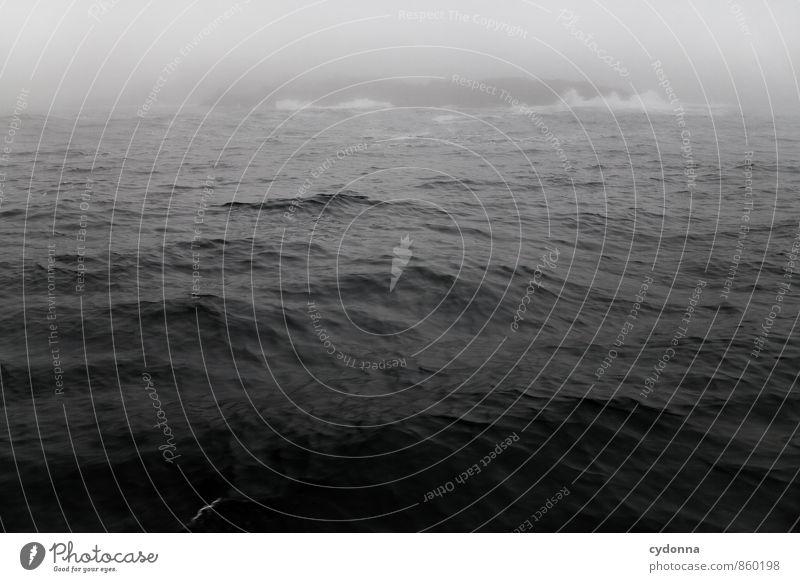 Land in Sicht Natur Ferien & Urlaub & Reisen Wasser Meer Einsamkeit ruhig Ferne dunkel Bewegung Küste Freiheit Horizont Regen Wetter Nebel Wellen