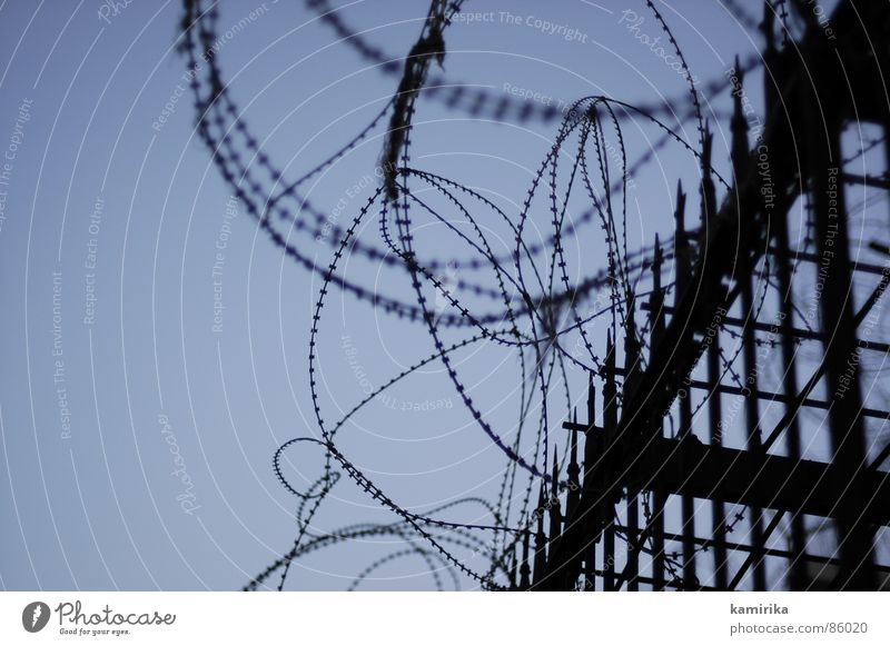 security-fence Schutz Zaun Israel Stacheldraht aussperren einsperren West Bank