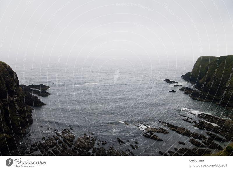 Schottische Bucht Natur Ferien & Urlaub & Reisen Wasser Meer Einsamkeit Landschaft ruhig Ferne Umwelt Traurigkeit Bewegung Küste Zeit Freiheit Felsen Horizont