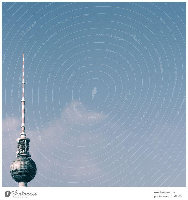 Berlin-Alexanderplatz Sightseeing Fernseher Kunst Fernsehen Antenne Sehenswürdigkeit Wahrzeichen Denkmal Kugel Klischee Stadt Funkturm rot-weiß Funktechnik